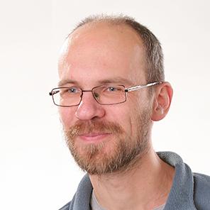 Programátor aanalytik Róbert Gonda - magnetica.sk